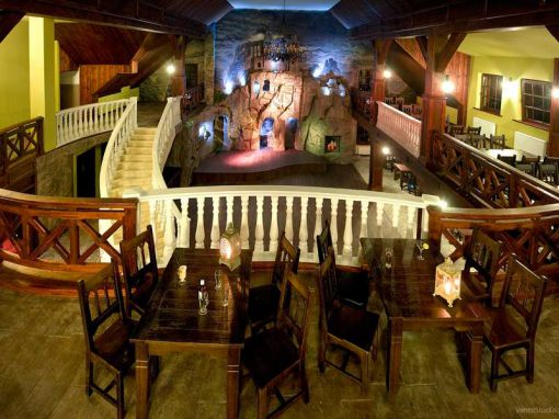 14. Restauracja Dwór Liczyrzepy